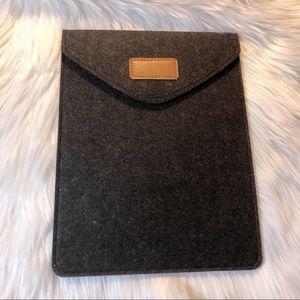 Grey Felt Tablet / Notebook Case Holder